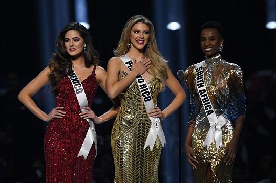Druhá skončila Madison Anderson z Portorika (uprostřed), třetí Sofia Aragon z Mexika (vlevo).