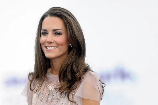 Kate v šatech od Jenny Packham v roce 2011
