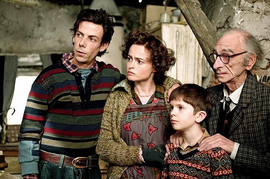 Freddie Highmore ve filmu Karlík a továrna na čokoládu (2005)
