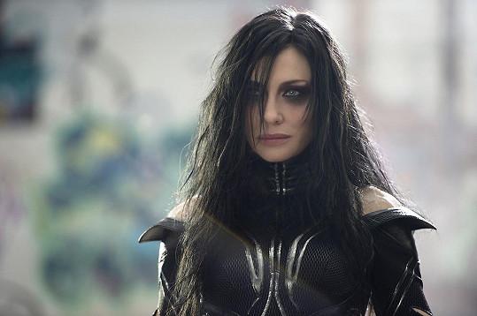 Cate Blanchett se ve filmu Thor: Ragnarok předvede jako bohyně podsvětí Hela.