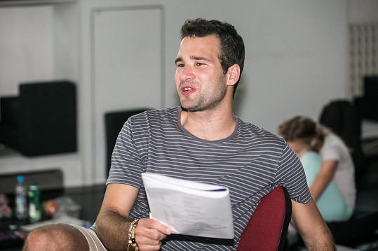 Tatínkem syna Vojty je režisér Matěj Balcar.