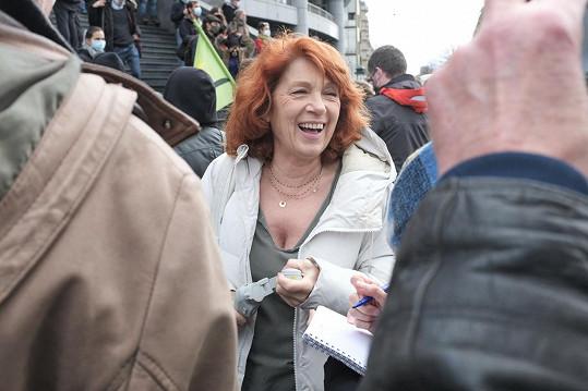 Véronique Genest je stále velmi populární francouzskou herečkou.