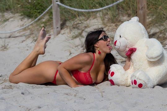 Glamour modelka Claudia Romani (35)opět v akci...