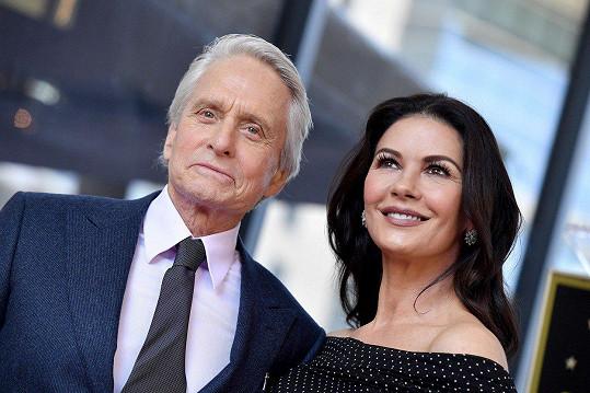 Manžela přišla podpořit i Catherine Zeta-Jones