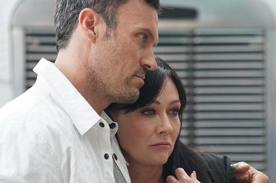 Podporoval ji i během natáčení obnovy Beverly Hills 90210.