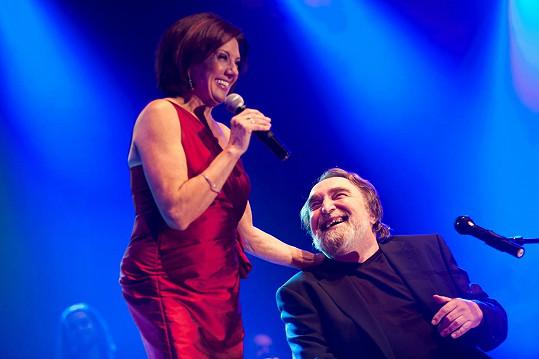 Jaroslav Wykrent s Marií Rottrovou, pro niž složil řadu hitů.