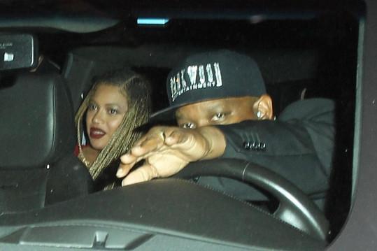 Beyoncé vyrazila s manželem na večírek.
