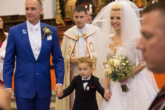 Na velkolepé svatbě se nešetřilo.