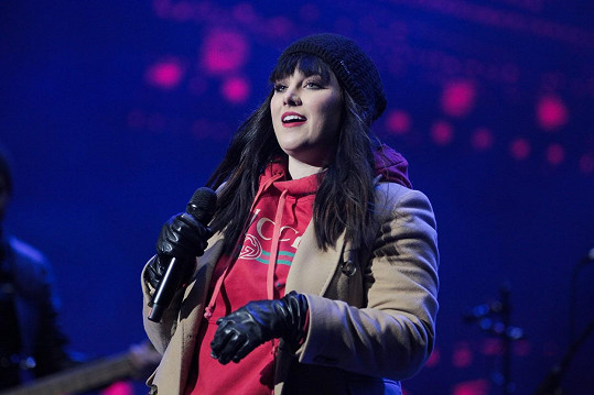 Ewa Farna zpívala na koncertě ve Vratislavi.