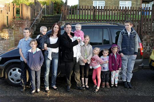 Mladá Angličanka z Kentu je matkou celkem jedenácti potomků. Další přírůstek očekávají v červenci.
