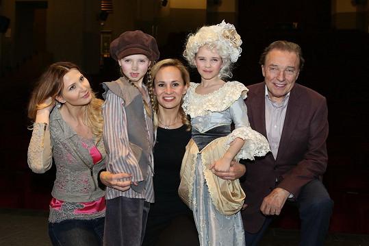 Charlottka i Nellinka si zahrály v muzikálu Marie Antoinetta - královna Francie.