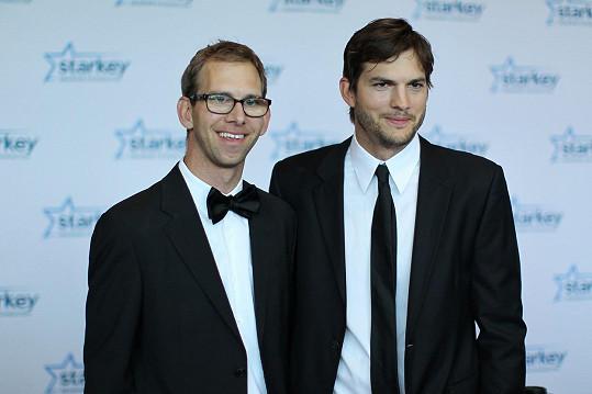 Ashton Kutcher a Michael