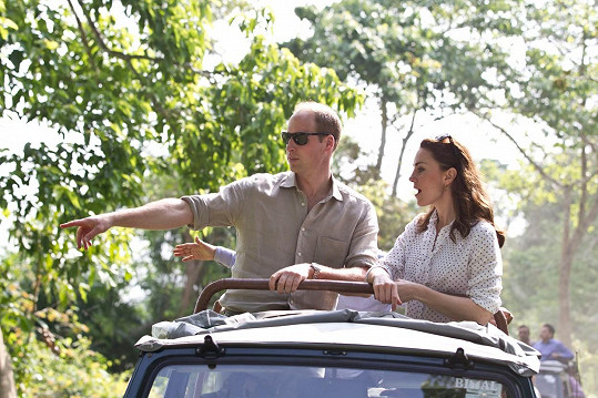 William s Kate na safari v indickém Národním parku Kaziranga