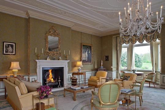 Zámecký styl je uchován i v interiérech.