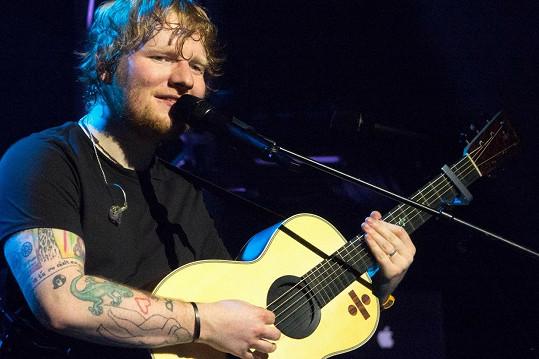 Ed Sheeran měl problém nejen s alkoholem, ale i s jídlem.