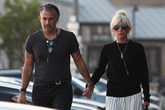 Před půl rokem zrušila zásnuby s Christianem Carinou.