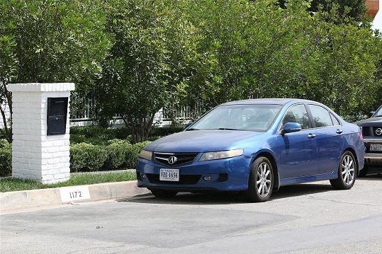 Ve stejnou dobu tam parkoval stejný vůz, který vlastní Shauna Sexton.