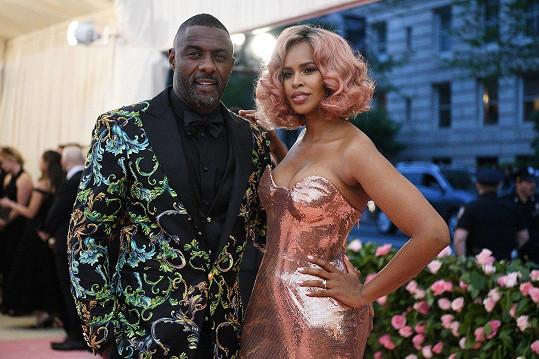 Idris Elba a jeho novomanželka Sabrina Dhowre