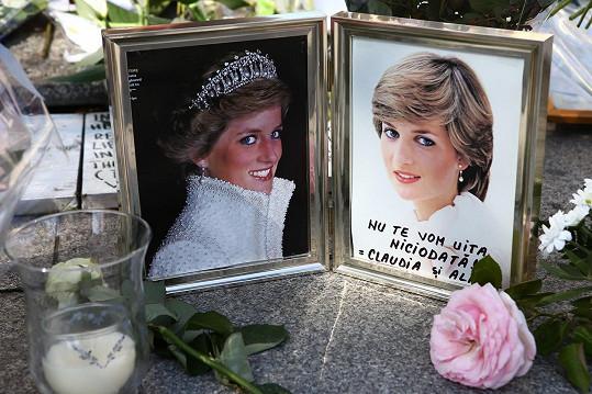 Na princeznu Dianu vzpomínají lidé po celém světě.