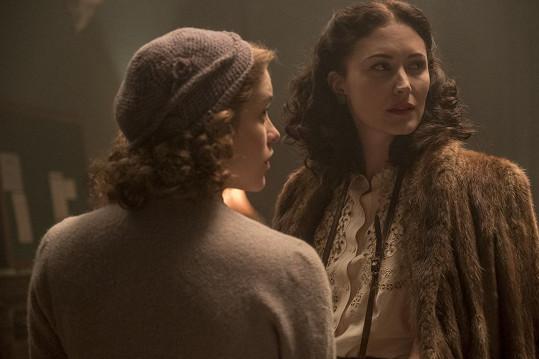V jednom z posledních filmů s názvem Příběh špionky exceluje Judi Dench.