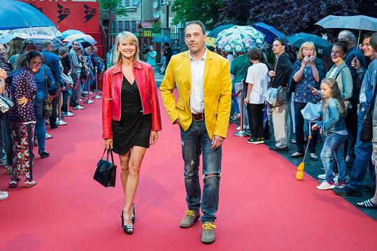 Jana Hubinská s doprovodem na zahájení košického Art Film Festu