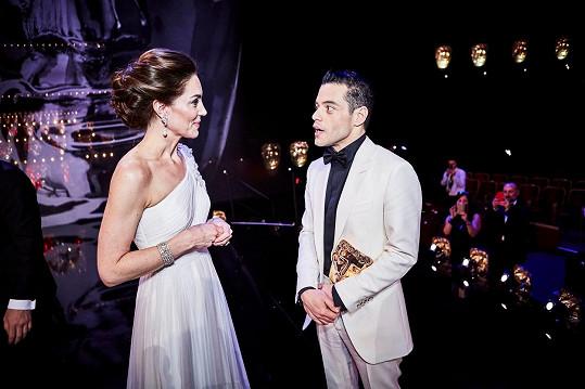 V Royal Albert Hall se potkali v únoru 2019 na udílení cen BAFTA, tehdy Malek vévodkyni trochu zaskočil.