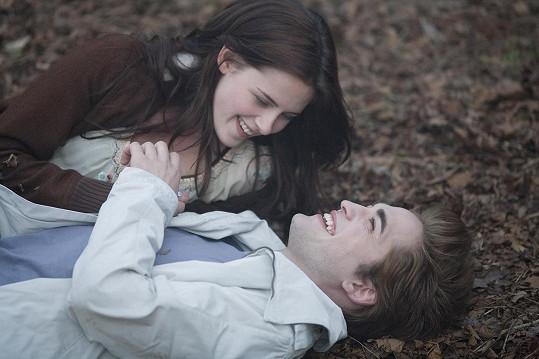 Kristen Stewart a Robert Pattinson tvořili pár ve filmu i ve skutečnosti.
