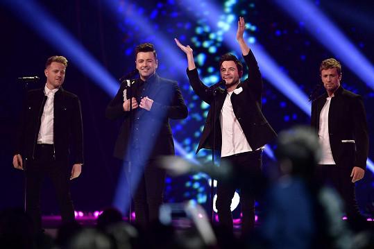 Westlife vystupují od roku 2004 ve čtyřech a nyní se vrací na největší pódium v Británii - stadion ve Wembley.