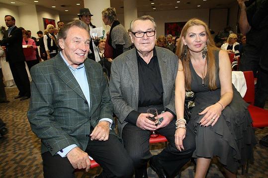 Karel Gott se v roce 2011 setkal Milošem Formanem a jeho manželkou.