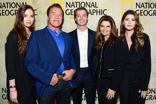 Podpořit jej na premiéru přišla i rodina, otec Arnold Schwarzenegger, matka Maria Shriver a sestry Christina a Katherine