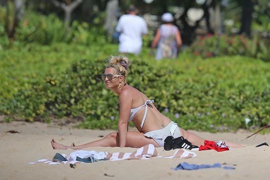 Britney na Havaj nepřijela lenošit.