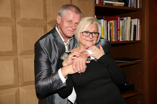 Oblíbený jazzman sváděl boj s rakovinou v 90. letech. Jeho manželce lékaři nemoc poprvé diagnostikovali v roce 2004.