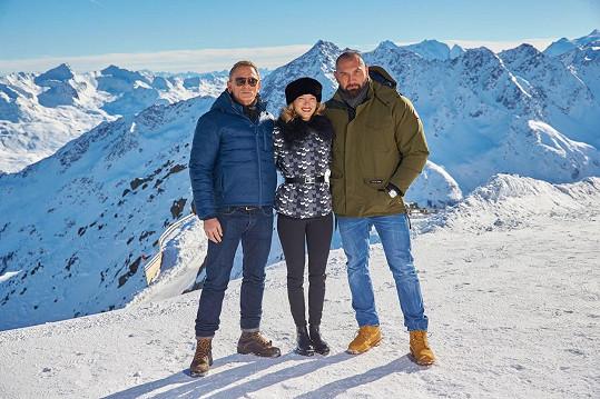 Dave Bautista, Daniel Craig a Léa Seydoux na vrcholcích Alp