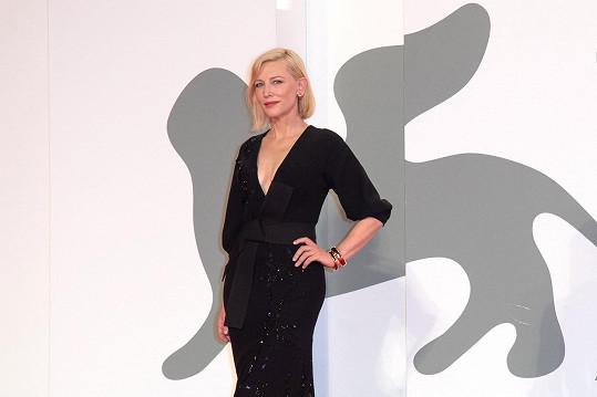 Cate Blanchett na benátském filmovém festivalu.