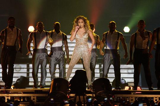 Podobně řešený model už měla kromě Britney Spears i Jennifer Lopez.