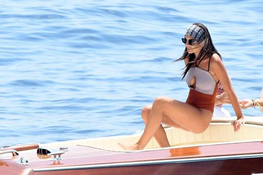 Emily Ratajkowski si užívá dovolenou v Itálii.