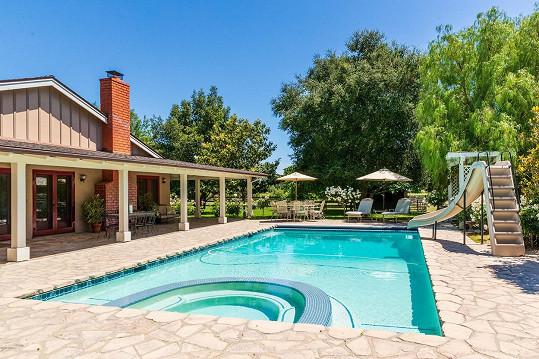 Jennie Garth prodala ranč v Los Olivos.