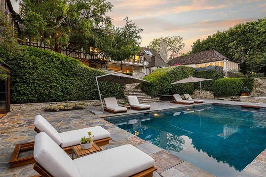 Dům v Beverly Hills nabízí ten nejvyšší komfort.