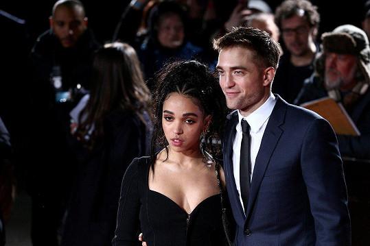 Robert Pattinson a FKA twigs se prý rozešli.
