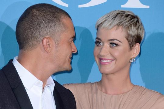 Stihnou děti s Katy Perry ještě před svatbou?
