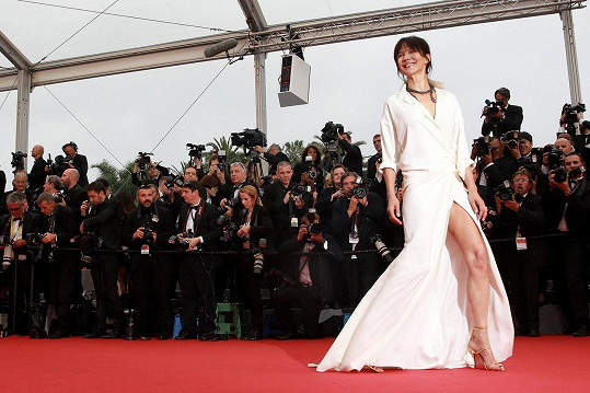 V Cannes zařila jako hvězda první velikosti.