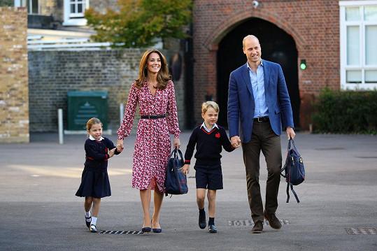 Kate dbá na to, aby děti během školního týdne neponocovaly.