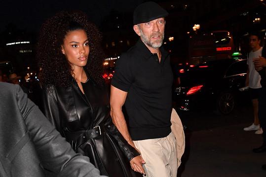 S Tinou Kunakey má herec dceru Amazonii.