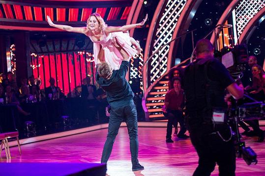 Emma Drobná si v Let´s Dance vyzkoušela legendární zvedačku z Hříšného tance.