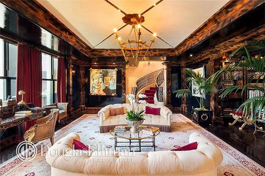 Interiéry dýchají uměním a luxusem.
