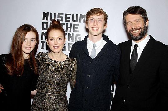 Manželé s dcerou Liv a synem Calebem (archivní foto)