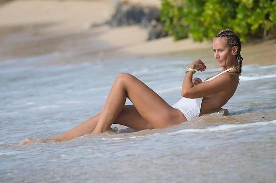Victoria Hervey vyrazila na Barbados.