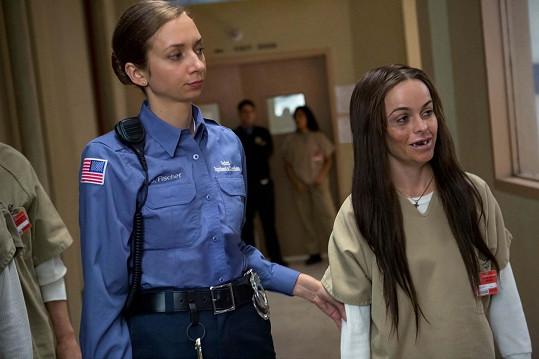 Role feťačky a náboženské fanatičky Tiffany Manning změnila život. Na snímku s Lauren Lapkus (vlevo)