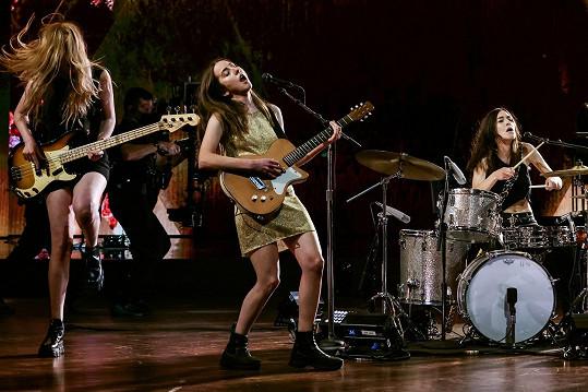 Slavné sestry to umí při koncertech pěkně rozjet.
