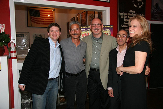 Fred Caruso (zcela vlevo)